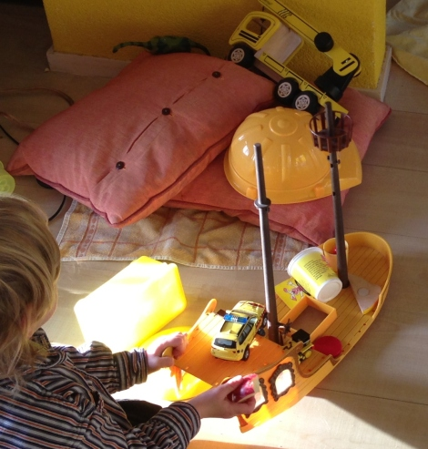 gele toren maken nav De gele olifant van Loes Riphagen